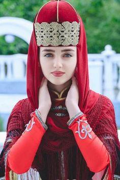 Circassian girl in traditional circassian dress Turkish Women Beautiful, Beautiful Muslim Women, Beautiful Hijab, Cute Beauty, Beauty Full Girl, Beauty Women, Beautiful Girl Photo, Beautiful Girl Indian, Look Fashion