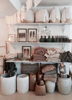 Boutique interior, boutique store displays, live shop, studio room, store w Boutique Interior, Shop Interior Design, Retail Design, Store Design, A Boutique, Boutique Decor, Boutique Stores, Decor Inspiration, Elderly Home