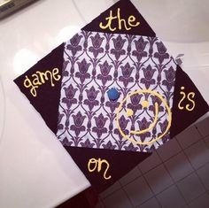 A Sherlock inspired graduation cap by Katie Gallo via Instagram