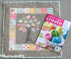 great mini quilt!  love the applique with machin stitching :)