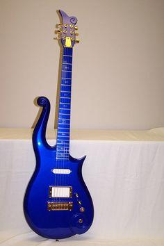 Prince Blue Angel Cloud Guitar 3