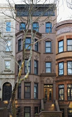 A Look Inside Amy Gropp Forbes & Adam Forbes' Beautiful Park Slope Townhouse New Book: Design Brooklyn by Anne Hellman & Michel Arnaud | Apa...