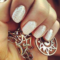 Classy nails.. Cute nails