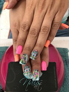 Acrylic nails, nails art, pink nails, color nails