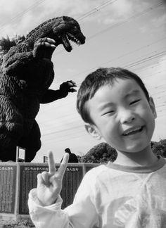 (>‿◠) ✌ Godzilla, Gojira, Japan.