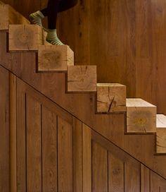original escalera de madera rústica