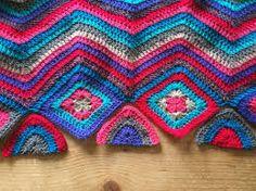 Afbeeldingsresultaat voor in hoek zigzag haken Crochet Coat, Crochet Jacket, Crochet Blouse, Zig Zag, Blanket, Boho, Projects, Pattern, Blouses