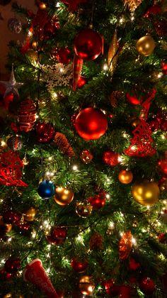 Wallpaper Natal, Christmas Phone Wallpaper, Christmas Aesthetic Wallpaper, Holiday Wallpaper, Winter Wallpaper, Iphone Wallpaper, Wallpaper Backgrounds, Christmas Scenes, Christmas Pictures