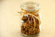 chocolate pecan pie granola (in a jar!)
