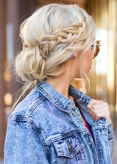 Messy updo with side braid | inspirational hairstyle with bun and braid