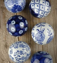 Blue and white porcelain spheres for pattern ideas. Blue And White China, Blue China, Love Blue, China China, Delft, Chinoiserie, Save On Crafts, Himmelblau, Ginger Jars