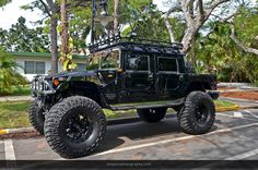 Hummer H1, this one is to large, but damn, love an H1