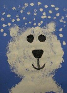 polar bear art lesson pre k Bear Crafts, Animal Crafts, Polar Bear Paint, Artic Animals, Penguins And Polar Bears, Polo Norte, Bear Paintings, Winter Art Projects, Kindergarten Themes