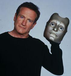 P Robin Williams - Bicentennial Man Bicentennial Man, Robin Williams Movies, Chris Columbus, Hot Guys, Sam Neill, Captain My Captain, Man Humor, Film Movie, Funny People