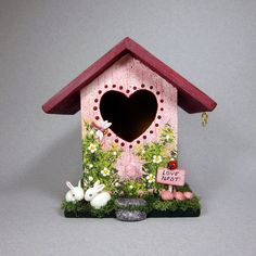 Love Nest Mini Birdhouse by SanquiCreations on Etsy Decorative Bird Houses, Bird Houses Painted, Bird Houses Diy, Painted Birdhouses, Birdhouse Craft, Birdhouse Designs, Wooden Painting, Spool Crafts, Bird House Feeder