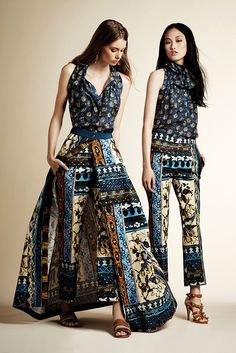 The complete Alberta Ferretti Resort 2016 fashion show now on Vogue Runway. Runway Fashion, Boho Fashion, High Fashion, Fashion Show, Fashion Outfits, Womens Fashion, Fashion Design, Fashion Trends, Fashion Hacks