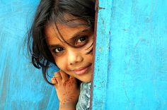 souls-of-my-shoes:  Little girl Mattancherry Kochi (by Jules1405)