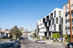American firm Lorcan O'Herlihy Architects has completed a multifamily apartment building with a sculptural interior courtyard and a monochrome facade. Futuristic Architecture, Residential Architecture, Koreatown Los Angeles, Concept Diagram, Dezeen, Facade, The Neighbourhood, Condo, Street View