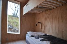 The V-Lodge - The V-Lodge by Reiulf Ramstad Architecture is a year round mountain lodge tucked away in Buskerud, Norway. A large all-year cabin, the lodge is loc. Alpine Modern, Modern Cafe, Cabin Design, House Design, Secluded Cabin, Timber Cabin, Off Grid Cabin, Lodges, Interior Architecture