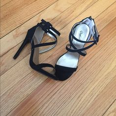 Ankle strap open toe heels Brand new only worn for 2 hours, they are supper nice and have a zipper in back for easier put on Qupid Shoes Heels