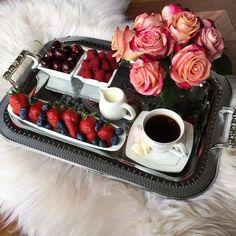 31 Ideas Breakfast In Bed Tray Food Coffee For 2019 Desayuno Romantico Ideas, Brunch, Coffee Break, Coffee Time, Tasty, Yummy Food, Breakfast In Bed, Romantic Breakfast, Aesthetic Food