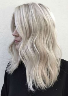 38 Bright Blonde Hair Color Ideas for This Spring 2019 - Healthy Happy Hair - Hair Styles Blonde Layered Hair, Bright Blonde Hair, Blonde Layers, Brown Ombre Hair, Light Brown Hair, Ombre Hair Color, Hair Color Balayage, Blonde Color, Cool Hair Color