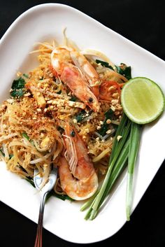 Green papaya pad thai: gluten-free and, for the most part, paleo-friendly