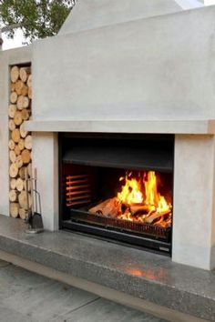 Fall Outdoor Fireplace Tips – Fireplace Tip[s & Tricks Backyard Fireplace, Backyard Patio, Outdoor Fireplaces, Backyard Ideas, Contemporary Fireplace Designs, Modern Fireplace, Fireplace Ideas, Foyers, Outdoor Spaces