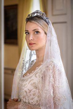 Ekaterina Malysheva wore three Sandra Mansour dress at  her wedding celebrations. 07.08.2017