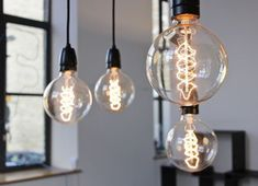 We asked celebrity designer Chris Stout-Hazard to share what you need to know about LED Edison light bulbs. Cheap Lighting, Home Lighting, Funky Lighting, Overhead Lighting, Ampoule Design, Deco Luminaire, Decorating On A Budget, Decoration, Light Bulb