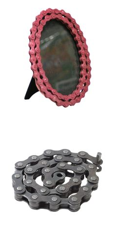 Bicycle chain picture frame