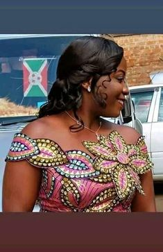 African Fashion Traditional, African Inspired Fashion, African Print Fashion, Long African Dresses, Latest African Fashion Dresses, African Design, African Style, Kente Dress, African Blouses
