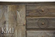 meble z drewna egzotycznego | duża rzeźbiona komoda Feathers mango