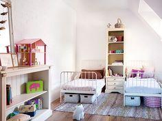 Vintage + industrial. Veja: http://www.casadevalentina.com.br/blog/detalhes/vintage-+-industrial-3146 #decor #decoracao #interior #design #casa #home #house #idea #ideia #detalhes #details #style #estilo #casadevalentina #vintage #industrial #bedroom #quarto