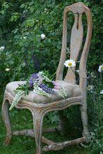 Mäster Henriks: Temahelg.. Swedish Decor, Swedish Style, Scandinavian Style, Arched Interior Doors, Shabby, Flower Petals, Flowers, Vintage Love, Elle Decor