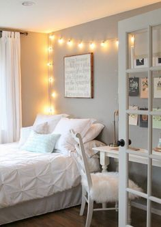 girl bedroom ideas - You'll find a huge collection of girls room designs with tips and pictures for every age from nurseries to teen girls bedrooms in all style. Little Girl Bedroom Ideas For Small Rooms Room Makeover, Room, Room Design, Small Room Design, House Rooms, Home Decor, Room Inspiration, Small Room Bedroom, Remodel Bedroom