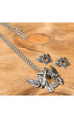 Wear N. Wear® Silver Winged Horseshoe w/ Crossed Pistols and Crystals Jewelry Set Jewelry Sets, Jewelry Accessories, Fashion Accessories, Fashion Jewelry, Cavenders Boots, Boot City, Horseshoe Jewelry, Cowgirl Bling, Silver Wings