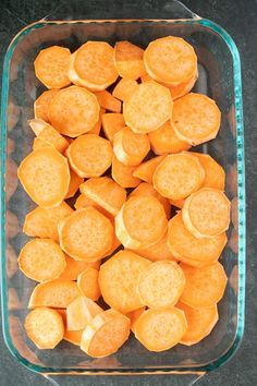 Southern Candied Sweet Potatoes sliced sweet potatoes in pan Southern Sweet Potato Recipe, Sweet Potato Recipes, Baking Recipes, Snack Recipes, Buttered Cabbage, Creamy Macaroni And Cheese, Candied Sweet Potatoes, Sweet Potato Slices, Breakfast Dessert