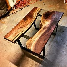 Tapered Trapezoid Style Metal Table/Bench/Desk Legs Any Log Furniture, Unique Furniture, Furniture Sets, Woodworking As A Hobby, Woodworking Projects, Mobile Table, Tree Stump Table, Metal Design, Desk Legs