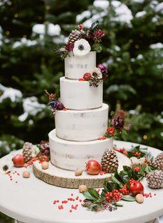 A Winter Wonderland Wedding from Austria - Chic Vintage Brides Christmas Wedding Cakes, Chic Vintage Brides, Vintage Weddings, Wedding Vintage, Lace Weddings, Romantic Weddings, Real Weddings, Rustic Wedding, Winter Bride