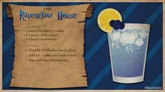 15 Magical Harry Potter Cocktails to Charm Your Palate For Harry Potter's birthday, cast a banishing charm on butterbeer in favor of something a little more grownup. Potion Harry Potter, Harry Potter Cocktails, Harry Potter Day, Harry Potter Marathon, Harry Potter Wedding, Mixed Drinks, Fun Drinks, Alcoholic Drinks, Disney Drinks