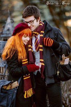 Halloween  Ngày này năm xưa. Harry và Ron vô tình nhốt một con quỷ khổng lồ vô nhà vệ sinh nữ chung với chị ny. Họ suýt giết chị nhưng lại cứu được chị. Sau đó họ thành bạn của nhau.  Cũng ngày này năm xưa Harry và Ron đi đự tiệc tử nhật của ngày Nick suýt mất đầu. Cũng trong ngày đó. Lịch sử lập lại phòng chứa bí mật mở ra một lần nữa.  Tiếp tục ngày này năm xưa chú Sirius tấn công bức chân dung bà béo nhằm bắt tên phản bội.   Cũng ngày đó các quán quân của cuộc thi tam pháp thuật được công…