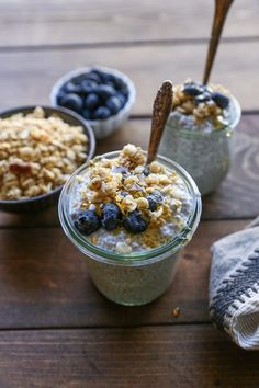 It's time we high tail it back to the basics and learn how to make superfood, super delicious, super awesome-for-breakfast-OR-dessert chia seed pudding (in three easy steps!). Lately, I've no…