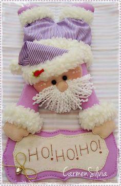Noel rosa Christmas Fabric, Felt Christmas, Christmas Projects, Winter Christmas, Christmas Time, Christmas Wreaths, Christmas Decorations, Christmas Ornaments, Garland Hanger