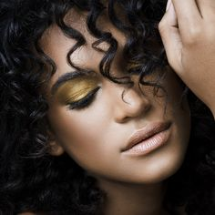Tip Tuesday: A Foolproof Guide For Applying Your Boldest Eye Makeup from essence.com