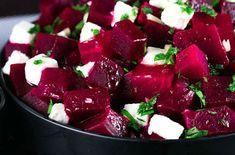 Rendimiento: 6 porciones   Ingredientes: 4 remolachas medianas 100 gramos de ricota (veganos usar tofu u otro queso vegetal, ver archivo...