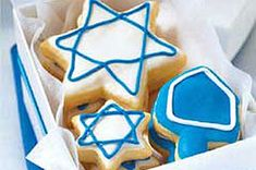 Celebrate Hanukkah with these delicious Hanukkah Sugar Cookies. A rich butter and cream cheese cookie dough is rolled out, cut into holiday shapes, sprinkled with colored sugar and baked in this Hanukkah Sugar Cookies recipe. Chocolate Sugar Cookies, Sugar Cookies Recipe, Chocolate Dipped, No Bake Pumpkin Cheesecake, Cheesecake Desserts, Pineapple Cheesecake, Best Holiday Cookies, Holiday Cookie Recipes, Cookies Gluten Free