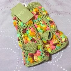Gloves Brand new condition, super warm and super colorful. The inside is lined with incredibly warm fleece to be sure to keep your hands nice and warm. Anthropologie Other