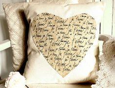 Je t'aime...a Valentine's pillow -- so pretty! @ http://craftberrybush.blogspot.com/