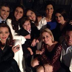 Reynaldo Gianecchini com elenco de Em Família (Foto: Instagram / Reprodução)